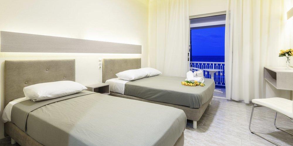 studio-apartment-vacation-rental-in-zante-greece.002.jpeg