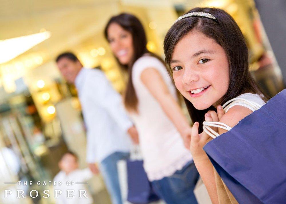 GOP+girl+shopping+the+gates+of+prosper+texas+.jpg