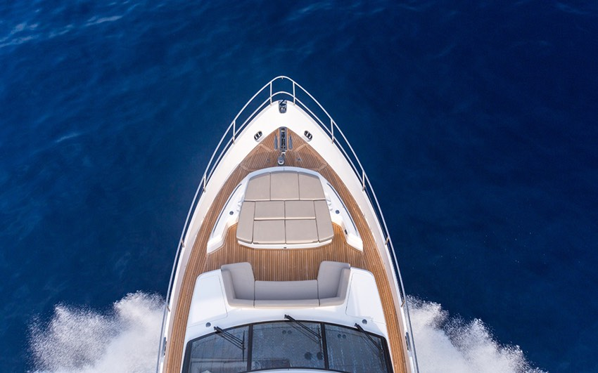 Y CLASS - DISCOVER A WORLD OF MOTOR YACHTING THAT'S INGENIOUSLY CRAFTED TO CAPTURE YOUR IMAGINATION.