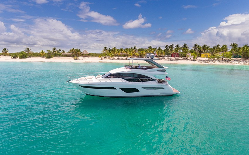F CLASS - EXPERIENCE THE MOST TECHNICALLY ADVANCED AND SPACIOUSLY PROPORTIONED FLYBRIDGE YACHTS ON THE WATER.