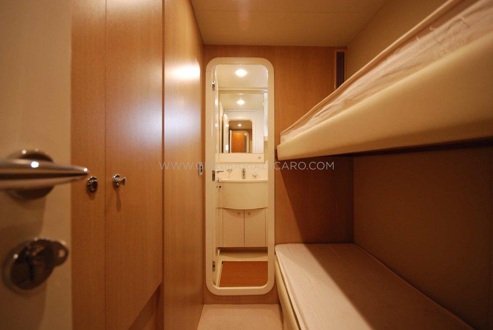 ferretti-altura-690-okabe-for-sale-12.jpg