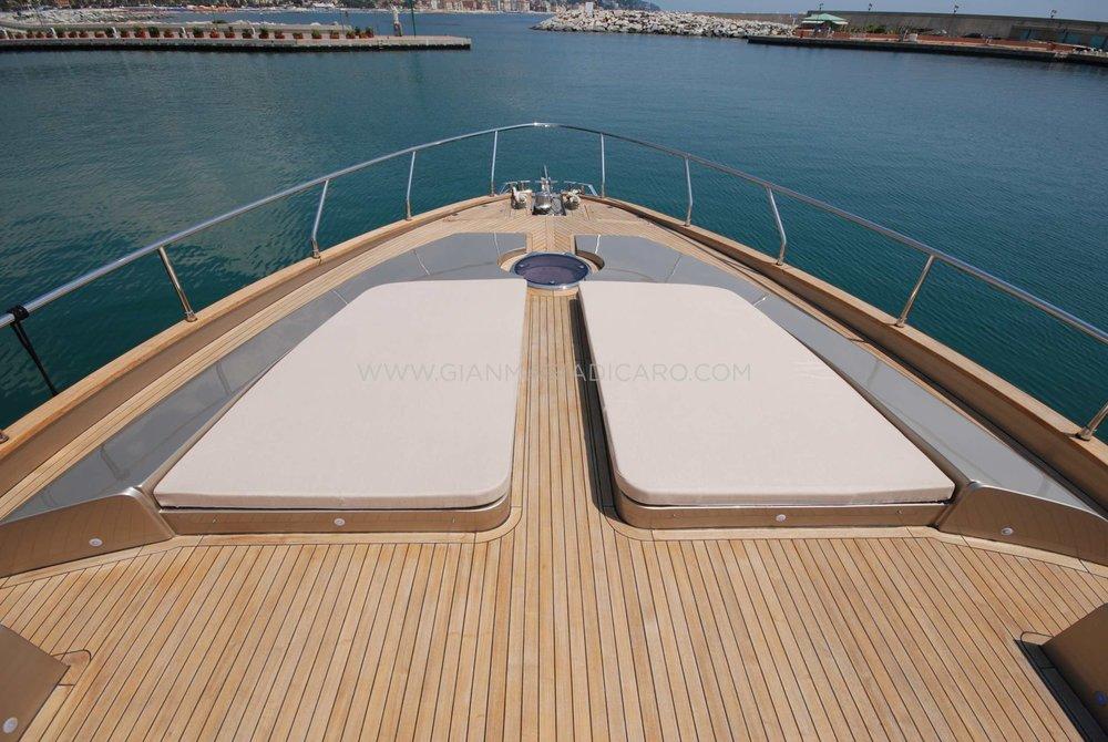 italian-yachts-jaguar-80-miss-11-for-sale-5.jpg