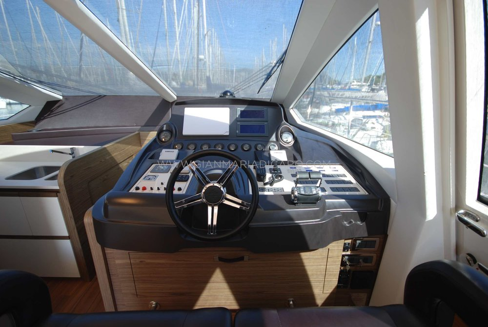queens-yachts-62-last-bet-for-sale-11.jpg
