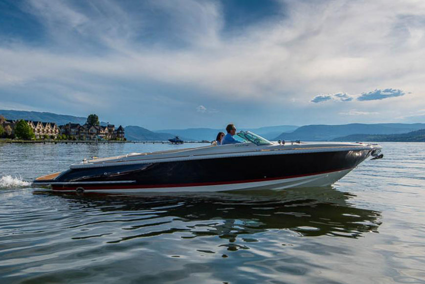 2004 Chris Craft 28 'Heritage Edition' - 2 x MERCURY MCM MX 6.2 MPI • 325 HP • TBC HOURS2 BERTHS IN 1 CABINS • 1 ToiletITALY / €60,000 VAT Paid