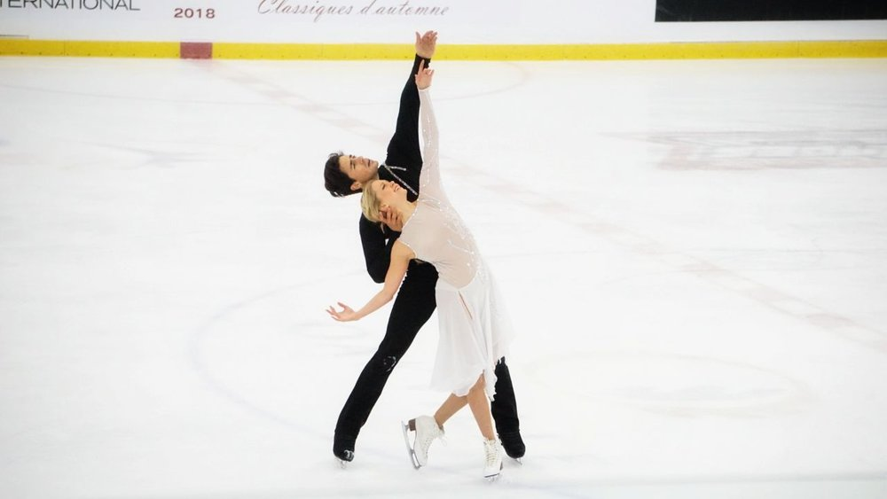 Kaitlyn Weaver and Andrew Poje skating their free dance at Autumn Classic International (   Photo credit: Yogeeta   )