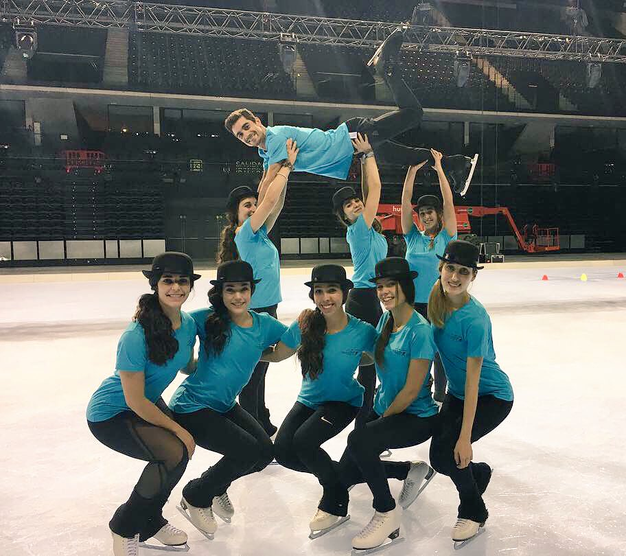 Javier Fernandez and the cast of his Revolution on Ice show (   Photo credit: Javier Fernandez   )