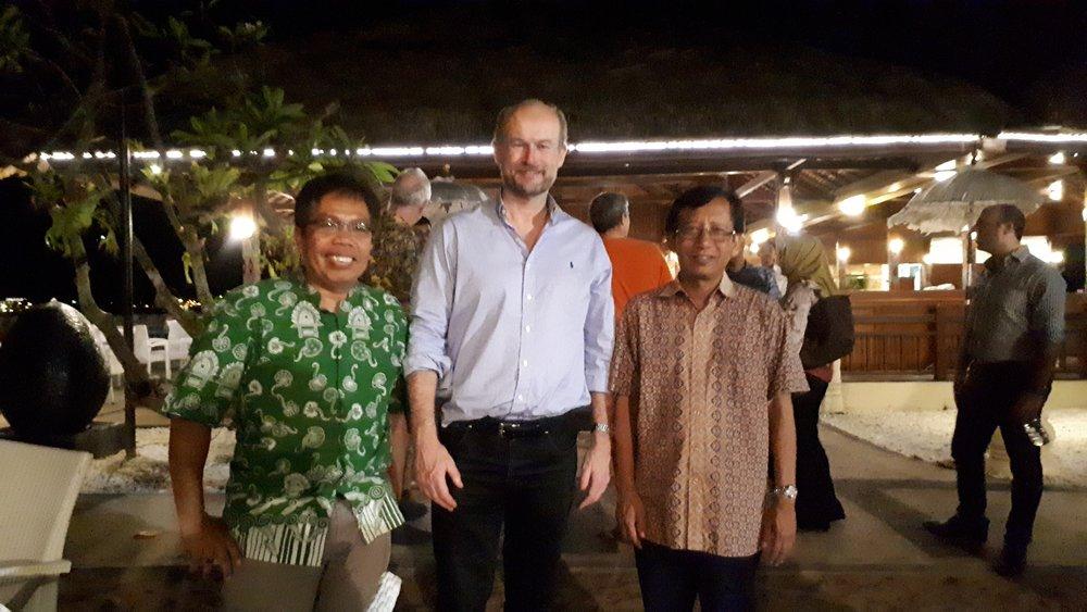 Dr Tanda Panjaitan, Mr Allaster Cox, and Professor Dahlanuddin.