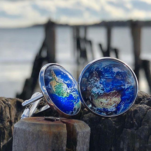 Do you wear cuff links?  Comment below👇👇👇- - - - - - - - #cufflinks