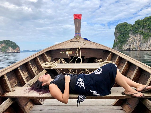 We made it—IT'S FRIDAY 🤩 And I couldn't think of a more accurate representation of my mood than this photo we took while island hopping in Krabi 😂😍  I love being out on water and really enjoy water activities 🐠 The ocean is what you make it—salty and challenging or gentle and inviting—or both, or none. It's free to change and shift and its a reminder that nothing is permanent. While change can be scary, keeping in mind that ebbs and flows are the natural rhythm of life can be soothing. It means that if you're navigating rough waters right now, smooth waves are just around the corner.  🌊💕  Also, we may or may not have been singing Moana the whole time we were out seafaring 💁🏻♀️🌺🐚  Do you seek out water when you travel? Is there a really cool aquatic excursion or activity I should add to my travel bucket list? Let me know!   #weareoutlatinas #shetravels #globelletraveler #girlsvsglobe #insearchofjoy #traveldreamseekers #andshesdopetoo #travellikeagirl #girlsthatwander #anxietywarrior #travellushes #thetravelwomen #discoverunder5K #girlsborntotravel #adventurethatislife #roamearth #wondermore #mytravels #earthbelowgirls #darlingescapes #sheloveswandering #sheisnotlost #femmetravel #krabi #mermaid #thailand #islandlife 