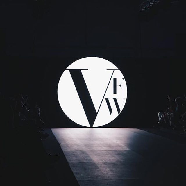 The Lights Dim & The Show Begins • • • • • CHAINED @ VFW • • • • • #chainedcouture #chained #jessicatierney #newthingstocome #hardware #stainlesssteel #behindthescenes #backstagepass #vancouverfashionweek #VFW #vancouver #canada #australianfashiondesigner #emergingdesigner #runway #couture #watchthisspace
