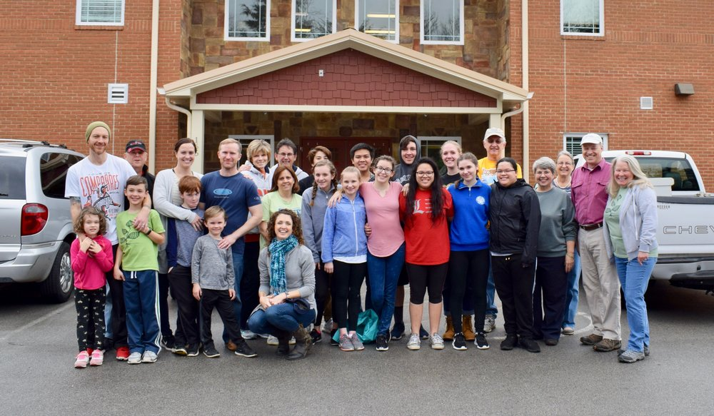 Children, youth, and adults served together on the 2018 Appalachian Outreach mission team.