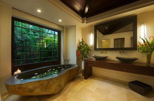 Long stone bath.JPG