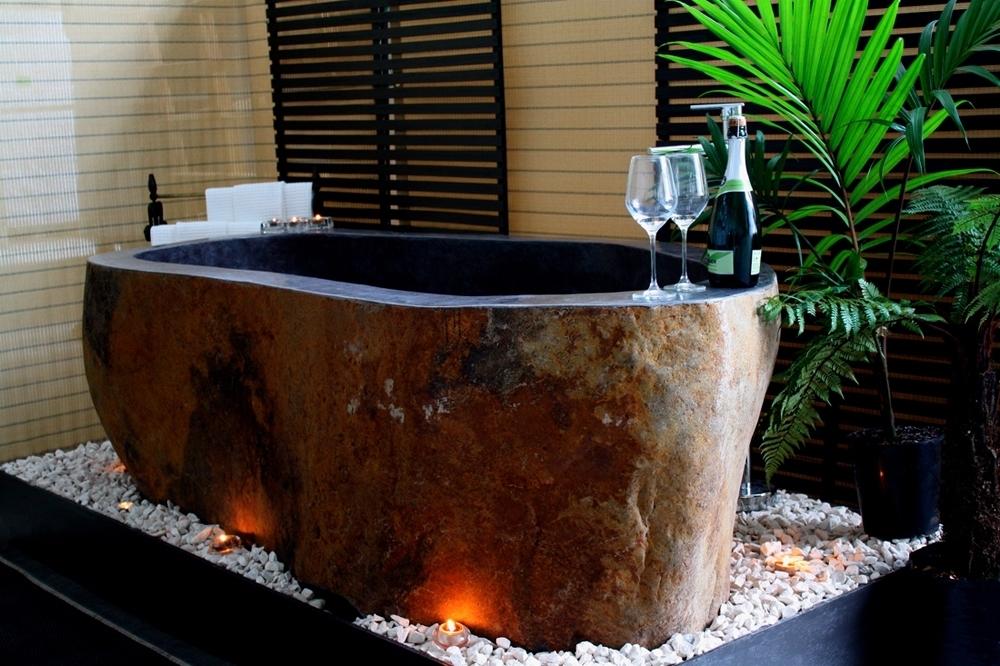 Rock bath WITH GLASSES.JPG