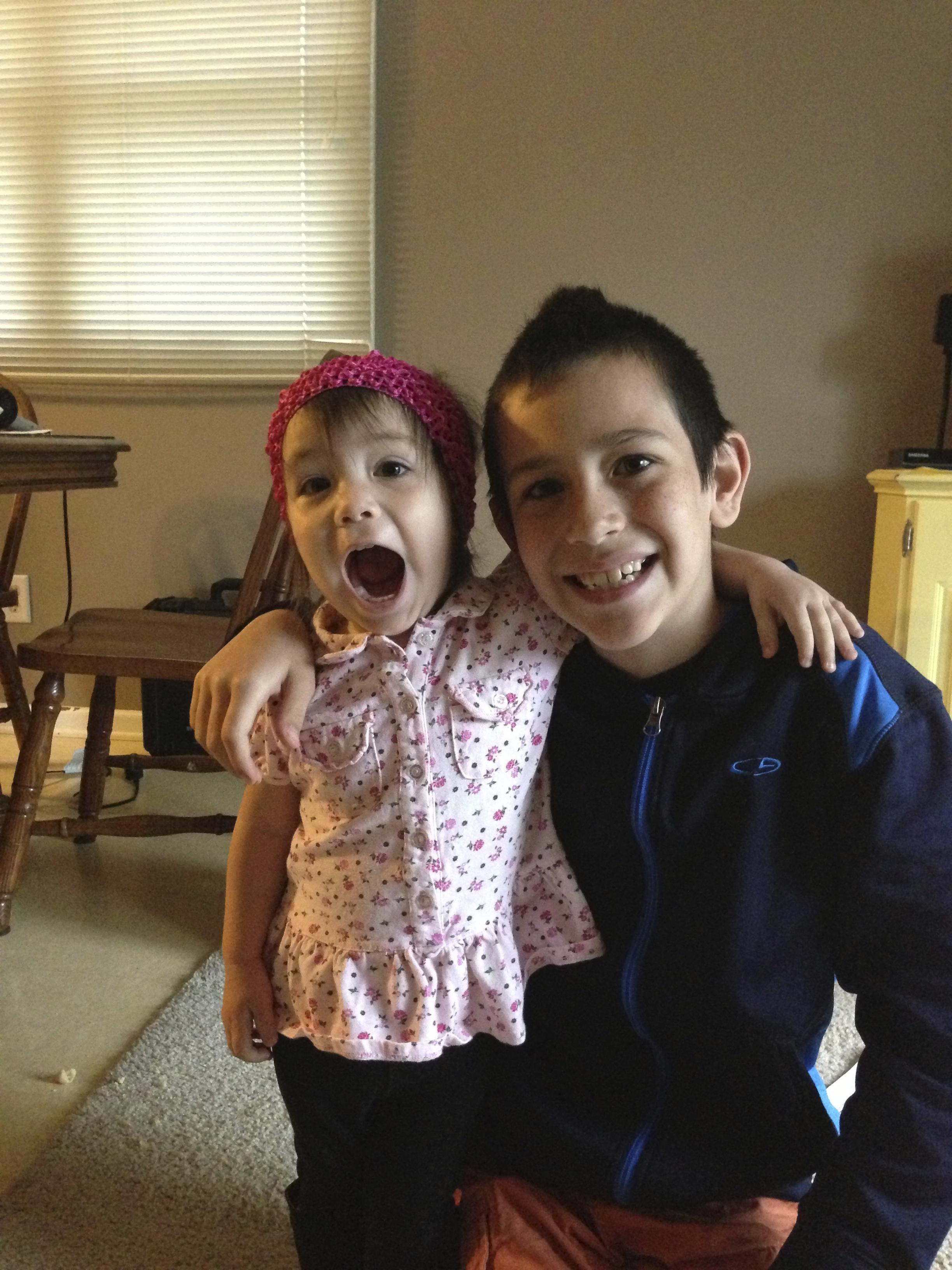 Lola & Logan