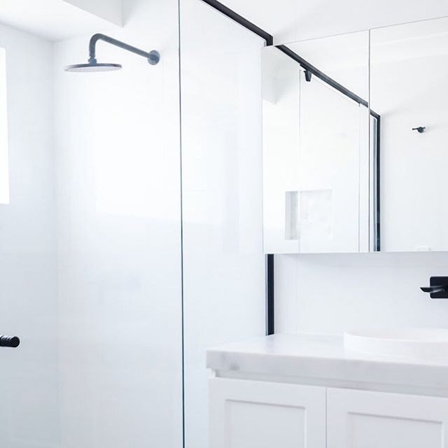 Marvelling at the subtle details at this remodelling project in Minto. In any situation, the choice of marble automatically adds a modern but timeless touch to a bathroom 🕛 |  #bathroomsofinstagram #realestate #design #architecture #bathroomdesign #bathroomdecor #bathroomremodel #moderndesign