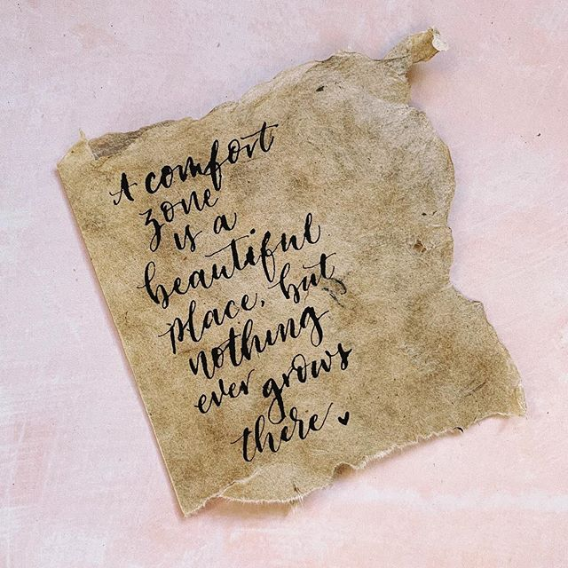 Trying my luck with natural paper again 😅.... but do it! Step out of your comfort zone from time to time & see how amazing you can be. Happy Tuesday! ♥️