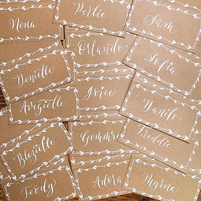 Had so much fun writing these place cards. For a beautiful Spring Barn Wedding 😍 ••• #pointedpen #calligraphy #lettering #handlettering #letteringdaily #calligrapher #letteringartist #modernscript #moderncalligrapher #thegoodtype #typography #handmade #handmadefont #typematters #doodles #ukcalligraphy #kentcalligraphy #surreycalligraphy #weddinginspiration #barnwedding #rusticwedding