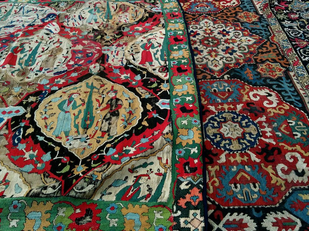 Organised visits to textile collections in and around London plus exhibitions and other events