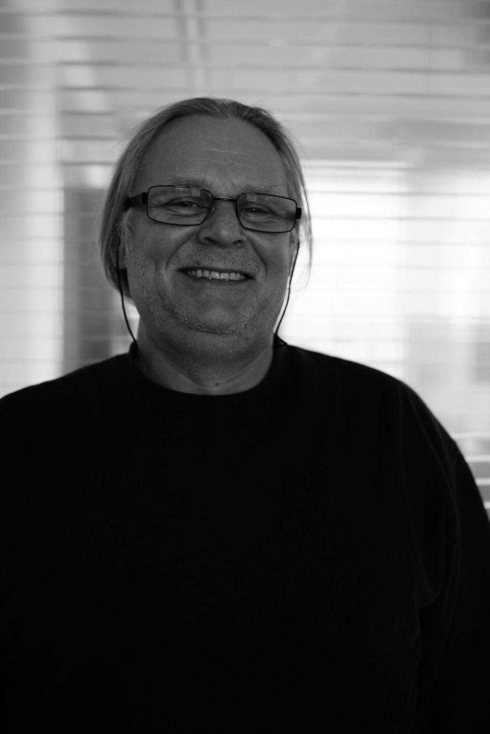 Christof Lutz84-86 Lehre Bauzeichner86-93 Uni Stuttgart - Diplom am Städtebaulichen Institut01-03 (ifBau) Der Architekt als Sachverständiger im Bauwesen Ausbildung