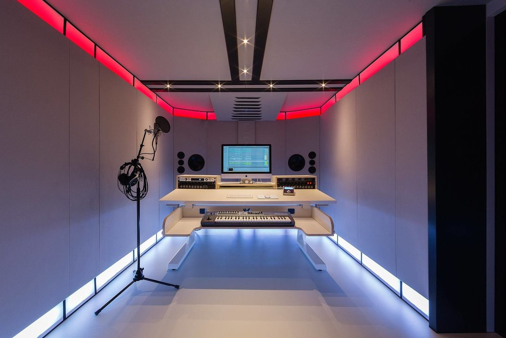 Full Monty Studio 4.jpg