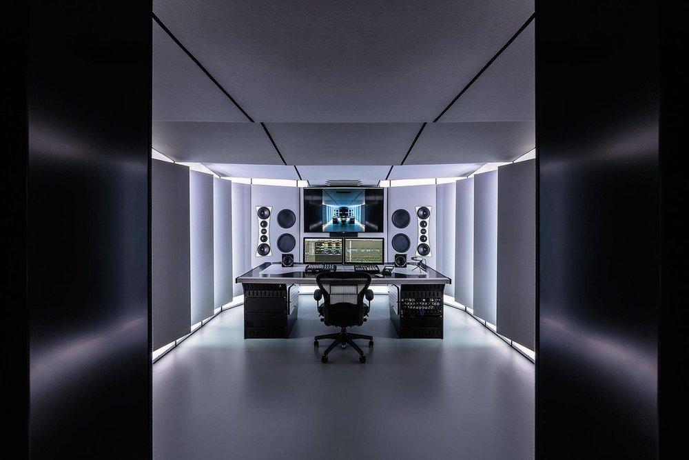 Full Monty Studio 3.jpg