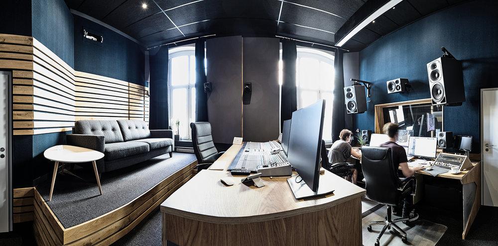 O2STUDIOS-StudioC-900x600.jpg