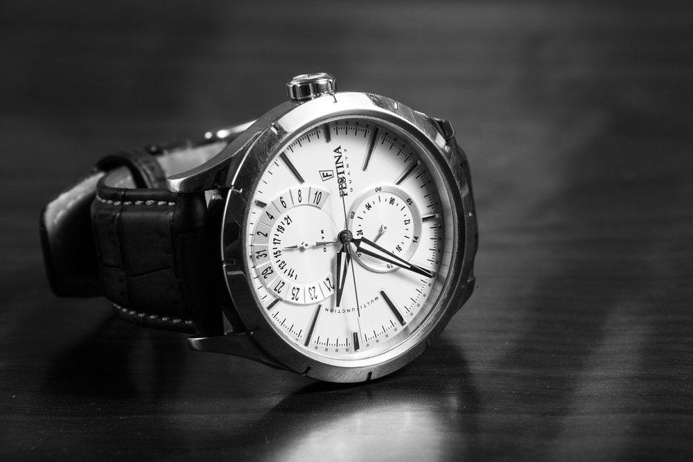 wristwatch-407096_1920.jpg