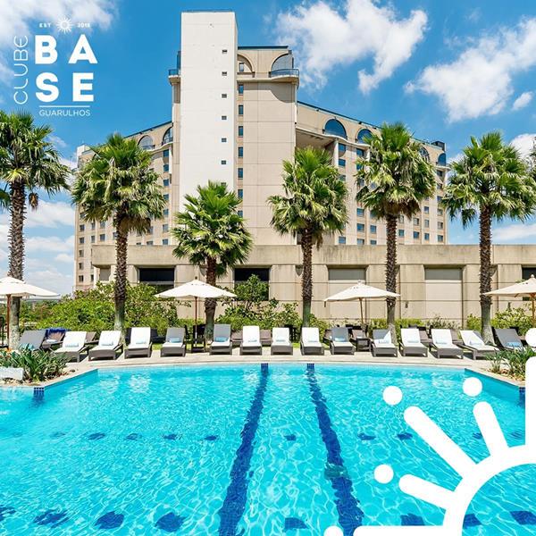 Clube Base   Um dia na piscina e nas quadras do Hotel Pullman Guarulhos, com muitas atividades para toda a família.