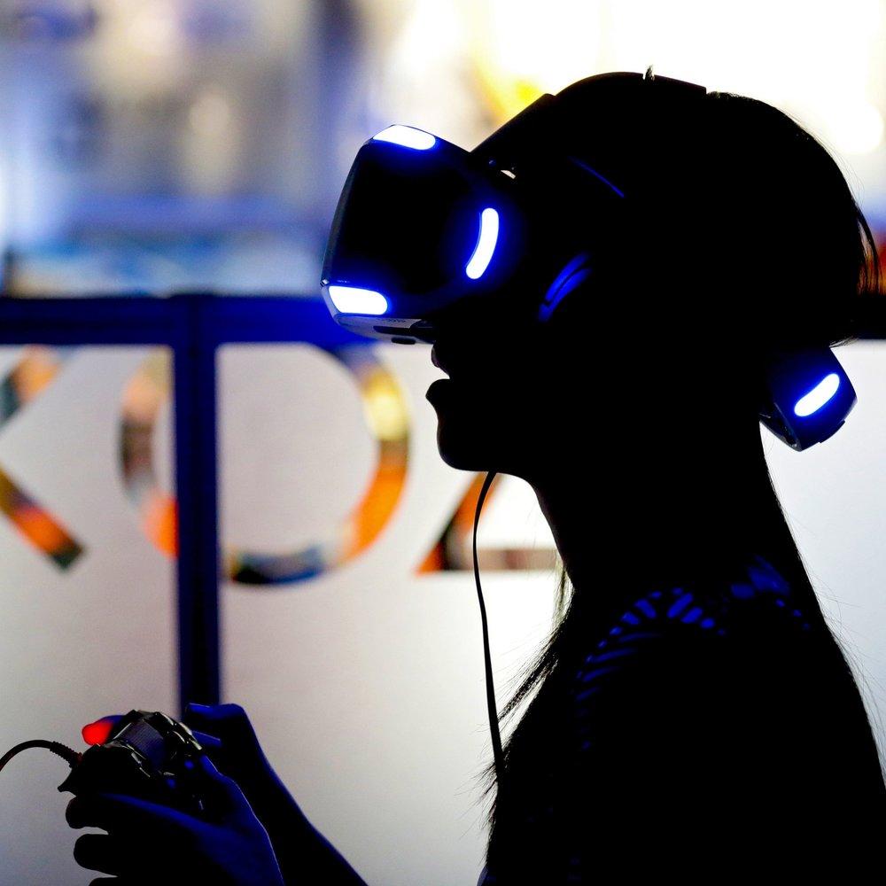 20160317-virtual-reality-1.jpg