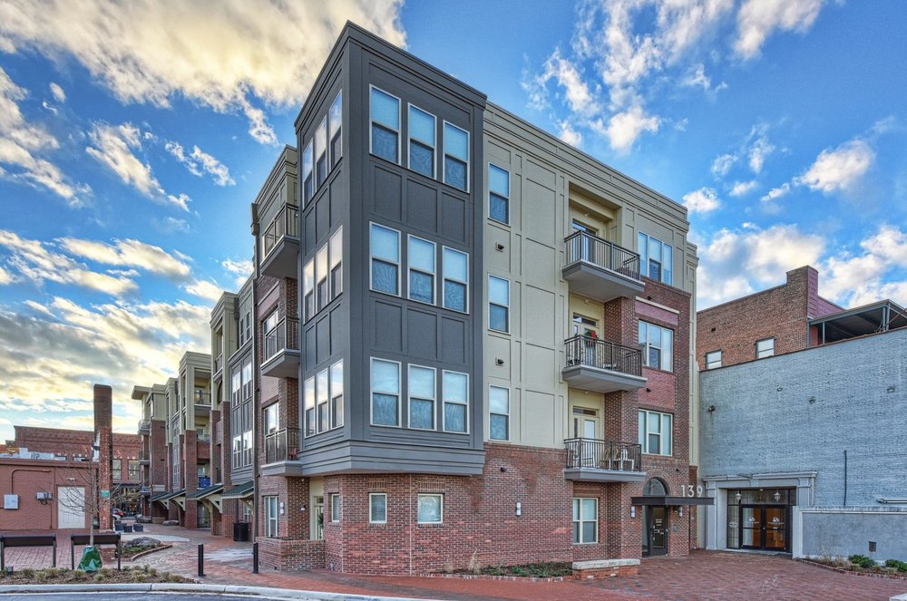 139 Main is downtown Rock Hill's luxury apartment community.