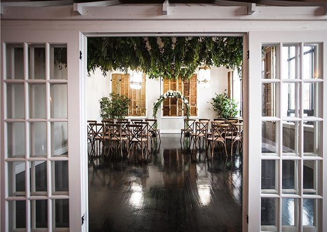 Our greenhouse offers the perfect escape from the hustle & bustle of city life, plus it makes for a beautiful intimate ceremony. 💍 . . . . . #brightlightsevents #berkeleyevents #greenhouse #wedding #torontovenue #eventplanner #weddingplanner #engaged #torontowedding