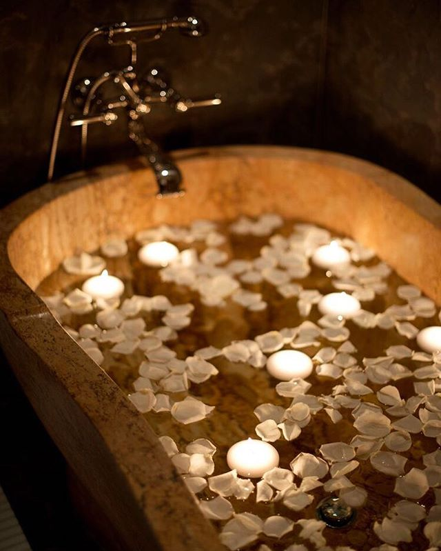 Something quite magical happens when you start dating yourself 〰️ There's a special lusciousness in solitude, when each and every desire indulged is yours alone. Savor it - not because it won't last forever - but out of gratitude that it will. Here's to spending more time with your favorite person in 2019 🥂 • #bathing #ritual #artofbathing #highvibeliving #indulge #selfcare #selflove #resolution #lifeasceremony