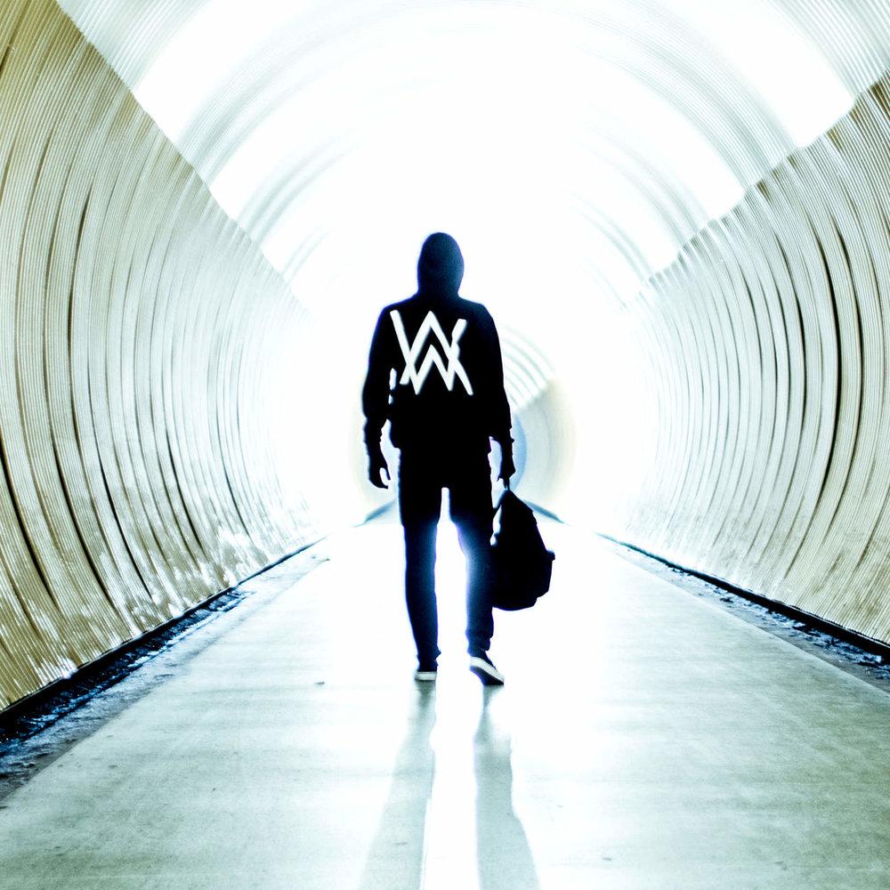 """ALAN WALKER–""""Faded"""""""
