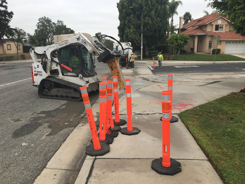 California Professional Engineers installing video detection equipment at Magnolia Ave