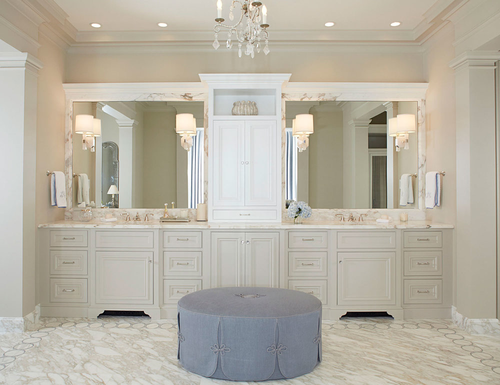 Bathroom with lilac ottoman.jpg