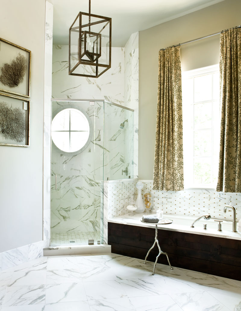 A-Masterful-Mix-Clery-Lake-House-bathroom1.jpg
