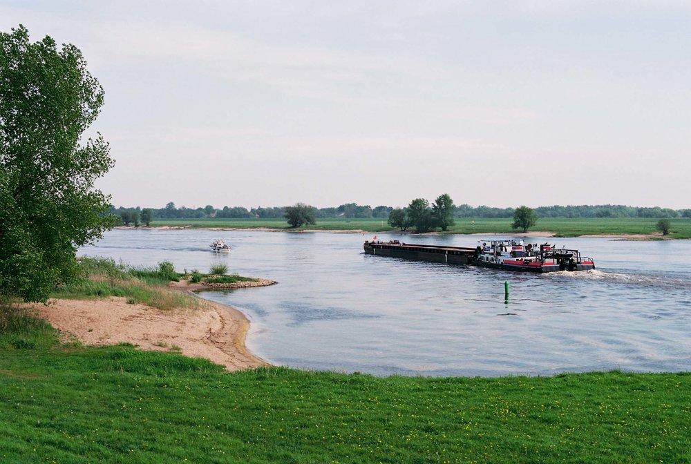 elbe river   april 2018
