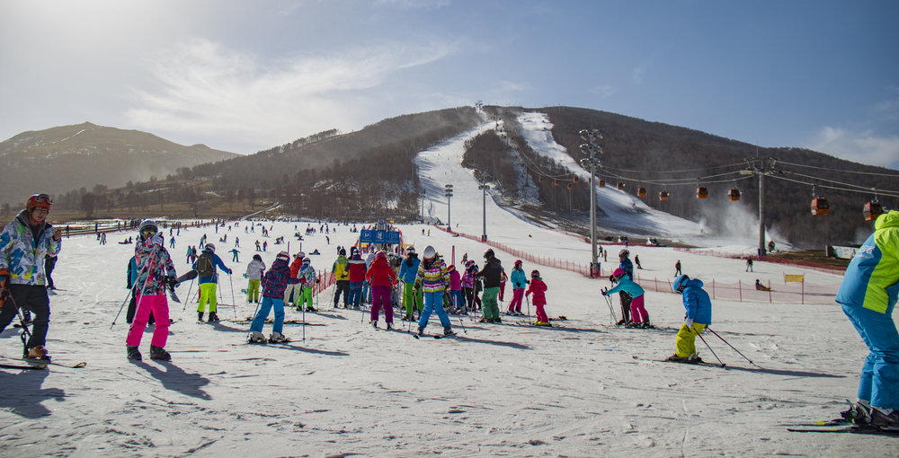 - WINTER MOUNTAIN DESTINATION RESORTS山地度假目的地冬季