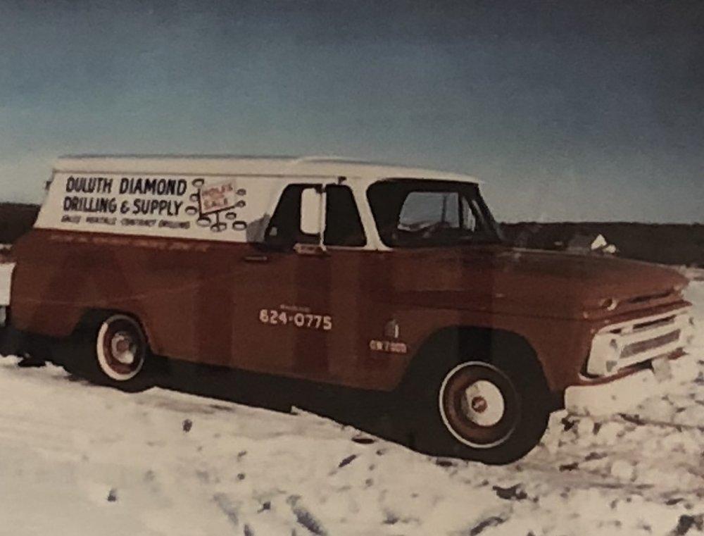 diamond truck old.jpg
