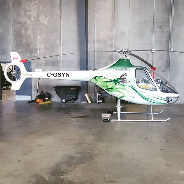 A great new look for our Guimbal from @stealthgraphicsco  #guimbalcabrig2 #chickadee #pistonhelicopter #flysynergy #vinylwrap #guimbalhelicopters