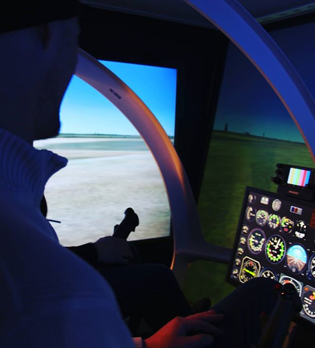 A bit cold outside, but at our flight training facility, today was perfect for students to build their skills in our flight simulator!  #flighttraining #helicopter #flightsim #helicoptercareer #buildingskills #futurepilots #edmontonlearning #uniquecareer