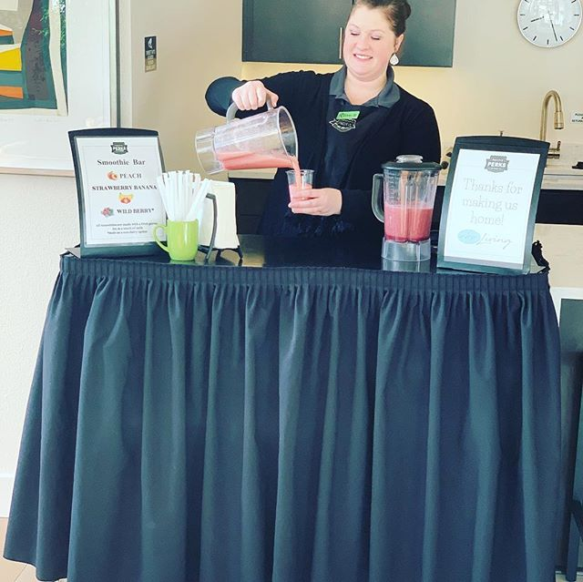 It's a Smoothie kinda morning!! Thanks to @pacificperks for the awesome Smoothie!! 🍎🍌🍓🥝🥬🥒🥭🍍🍑