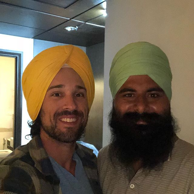What an honor to be adorned this morning by my brother, Ravi. I have learned so much about love and peace through learning about the rich and magnificent history of the Sikhs. This life...this journey I am creating for myself...I am so grateful and humbled. So much love in my heart. So many tears of grace.  #incredibleindia #runnersofindia #chandigarhrunners #sherepunjab #punjabi #punjab #travelindia #sikh #brothers #wearelove #weareallone #prema #veteran #yogi #grateful #peace #sattvayoga #warriorofpeace