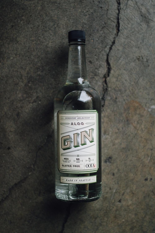 aloo_gin_bottle.jpg