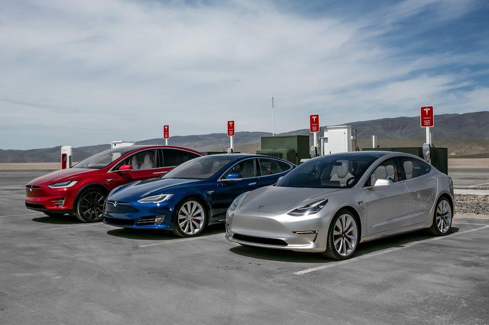 Tesla-Model-S-X-3-2Motor-Trend.jpg
