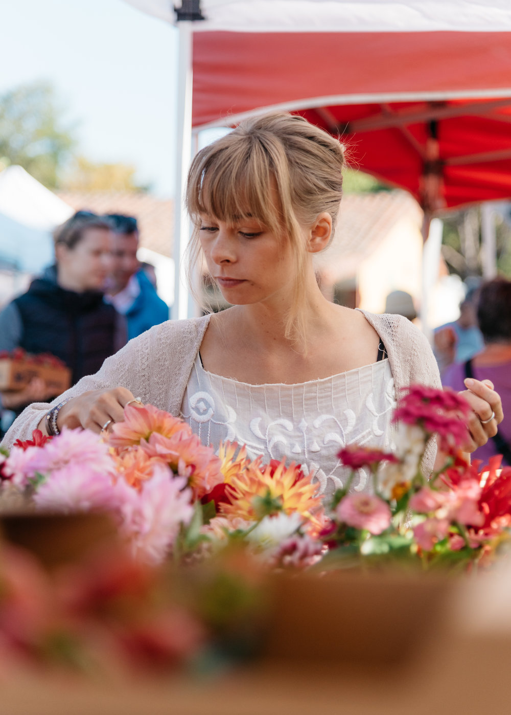 Nicole Fischer - Nicole is an intuitive chef, mystic, and creator of The Lunar Tea Company. Born on the wild and often rural Vancouver Island in Canada, Nicole grew up amongst the magic that is nature. Highly intuitive since childhood, Nicole is most at peace in nature or tinkering with her plants at home. A chef by trade, Nicole has also studied with a faction of the Berkeley Psychic Institute. The Lunar Tea Company came through weaving together those unique skills, and offers an accessible way to ground and sync your self with the Moon and Earth via its line of Moon Cycle Teas. Nicole has a deep belief in the ability of simple ritual to change lives and manifest dreams. She has found success personally in an at-home meditative tea ritual, and is excited to share that wisdom with others. Nicole lives with her partner and 13-year old hound, Sadie, by the beach in Santa Cruz.IG: @thelunarteacoIG: @depaysementsc