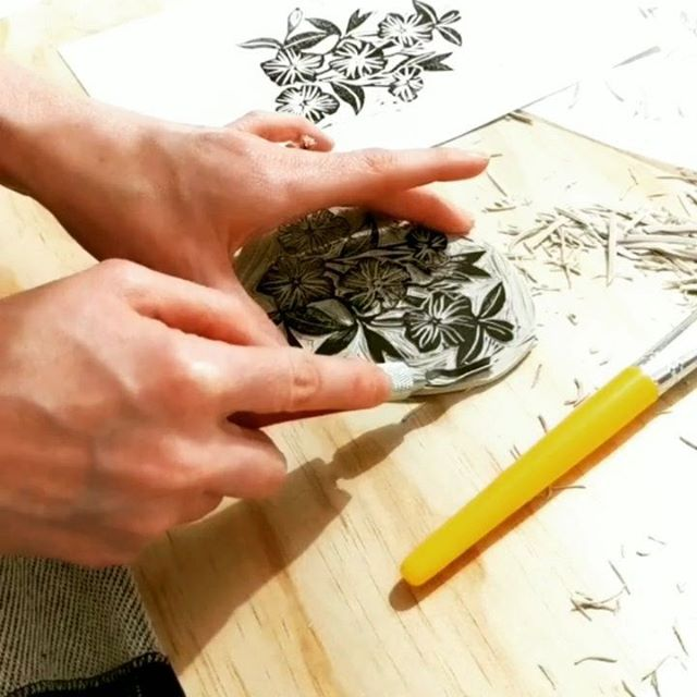 """Block Printing with Joan P Bogart @art_by_joanpbogart is back *this Friday* the 19th from 6 to 9pm! This workshop has been a popular choice for date nights among couples, coworkers and friend groups. Joan takes you step by step from tracing your design on the rubber block, to carving it out, to creating your custom prints in several colors. """"This is by far the most satisfying thing I have done in a while!"""" and """"This is giving me nostalgic summer camp vibes."""" and """"Wow! I was so in the moment I forgot about work for more than an hour."""" are all things I've overheard in Joan's workshops. 🥰 . . Get your spot before they fill up at allhandsworkshops.com ✨ . . #blockprintingworkshop #allhandsworkshops #creativeworkshops  #santacruzworkshops  #thingstodoinsantacruz #downtownsantacruz #makersgonnamake #buildcreativecapacity #webelieveinmaking #santacruzlife #createbeautybyhand #heytheremaker #calledtobecreative #creativelifehappylife #craftastherapy #borntobecreative #handmaderevolution #supportmakers #createeveryday #herestothecreatives"""