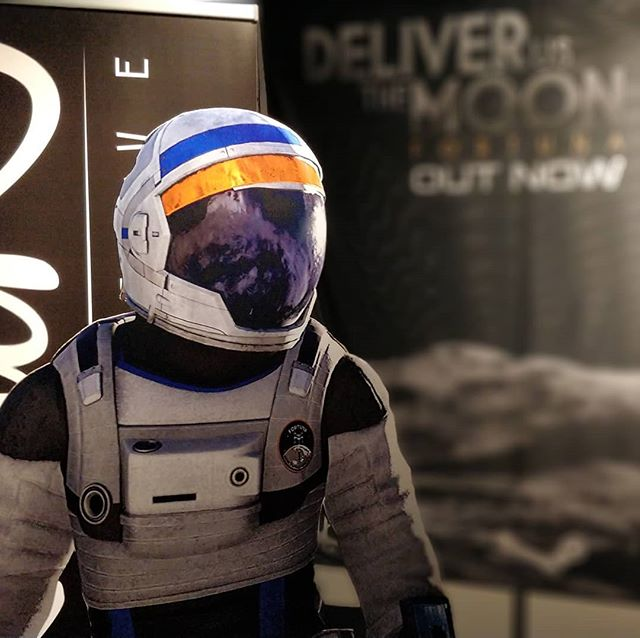 Are you in Erfurt for @mag_erfurt or in Utrecht for #Firstlook2018? Come take a picture with our Astronauts and play @deliverusthemoon! #indiedev #gamedev #dutm #space #astronaut #rocket #moon