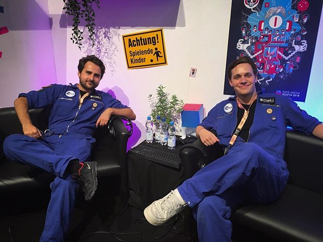 Going live straight from @mag_erfurt, Germany at the @indiearenabooth18 ! If you want the hear Paul's voice after 3 days of showcasing @deliverusthemoon, join us at m.twitch.tv/indiearenabooth in 15 minuntes! #indiedev #gamedev #space #astronaut #game #release #adventure #travel #goodvibe #conference #cosplay #love #journey #novoicesanymore #indie #games #booth #live
