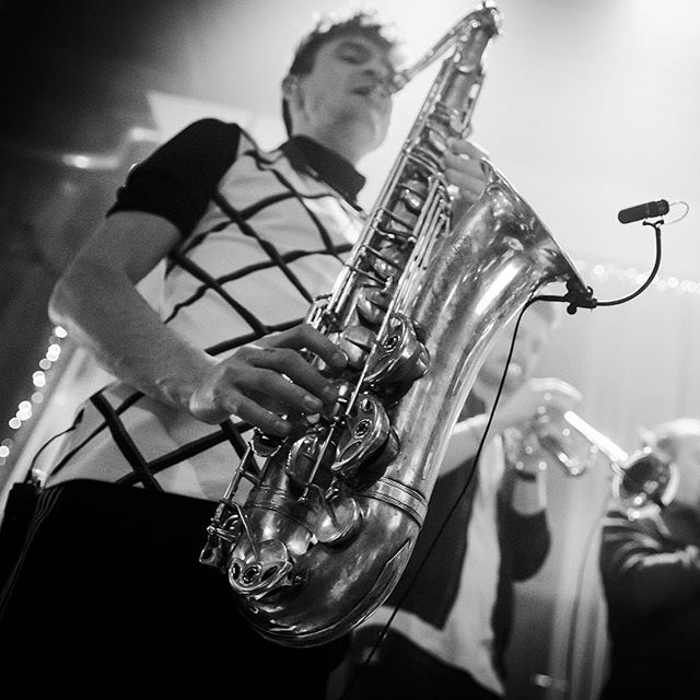 💥💥💥 @pdaveby @joel.lindblom @folandersson 📷: @bjornvallin  #gbg #catcombo #music #hornsection #event #eventmusic #saxophonist #trumpeter #trombones #partymusik